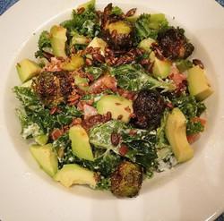 Midweek pick me Up! _#midweek  #dinner #foodbowl #salad #avocado #kale #brussels #seeds  #eatclean #