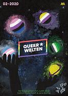 """Das Cover der zweiten Ausgabe von Queer*Welten. Ein Paar stilisierte, schwarze Hände jongliert vor einem schwarzen Untergrund fünf Planeten, die jeweils die Flaggenfarben von genderqueeren Identitäten repräsentieren. Die Farben scheinen in den Hintergrund des Alls auszulaufen oder Gaswolken um die Planeten zu bilden. Ein paar vereinzelte Sterne sind ebenfalls sichtbar. In der Mitte des Covers befindet sich das Logo von Queer*Welten. In der oberen linken Ecke steht in hellem Pink """"02-2020"""", in der rechten oberen Ecke befindet sich das Logo des Achjeverlags in Neongelb. Zentriert am unteren Rand des Covers steht in grüner Schrift """"Herausgegeben von Judith Vogt, Kathrin Dodenhoeft & Lenarichter"""". Links daneben die stilisierte Signatur des Künstlers der Coverartworks, Jack Sleepwalker, in weiß-grau gehalten."""