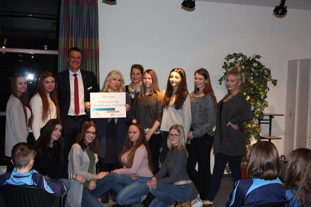 Hannoversche Volksbank fördert Lipsticks vom FfR e. V. Frielingen mit 700 €