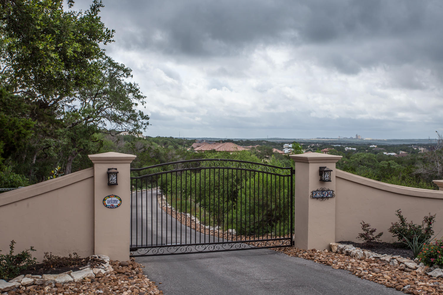 23504 Wilderness Paw San-large-055-Gated Entry-1500x1000-72dpi