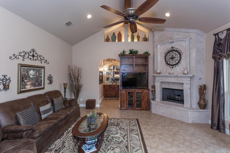 23504 Wilderness Paw San-large-017-Living Room-1500x1000-72dpi