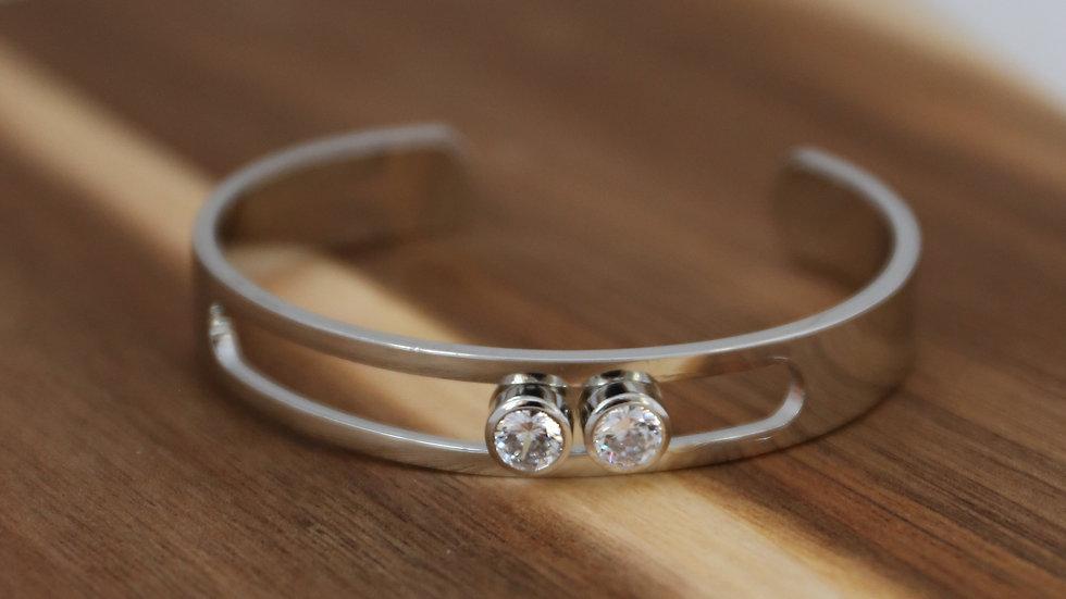 Bracelet avec pierres glissantes