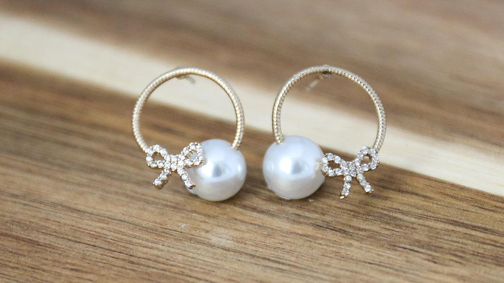 Boucles d'oreilles perles avec anneaux noeud