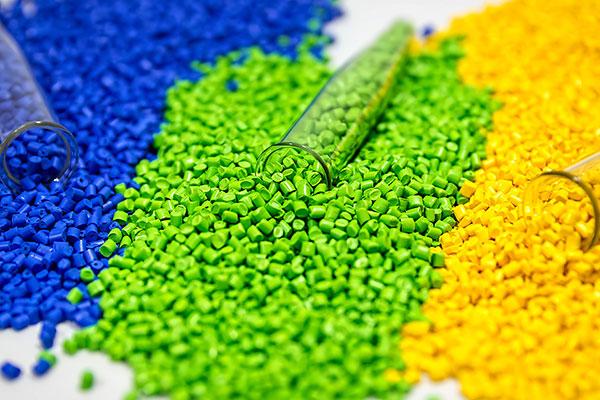 plastic-colorants-iStock-1080150792-600x