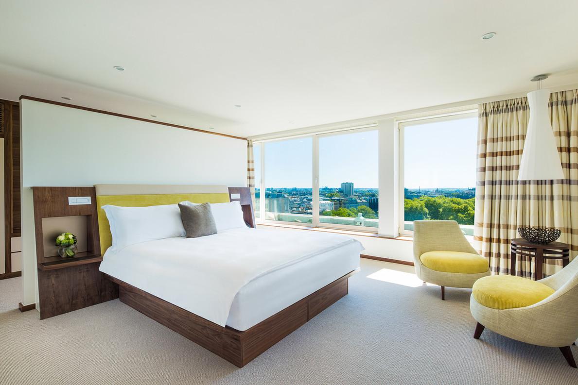 COMO Suite bedroom 1.jpg