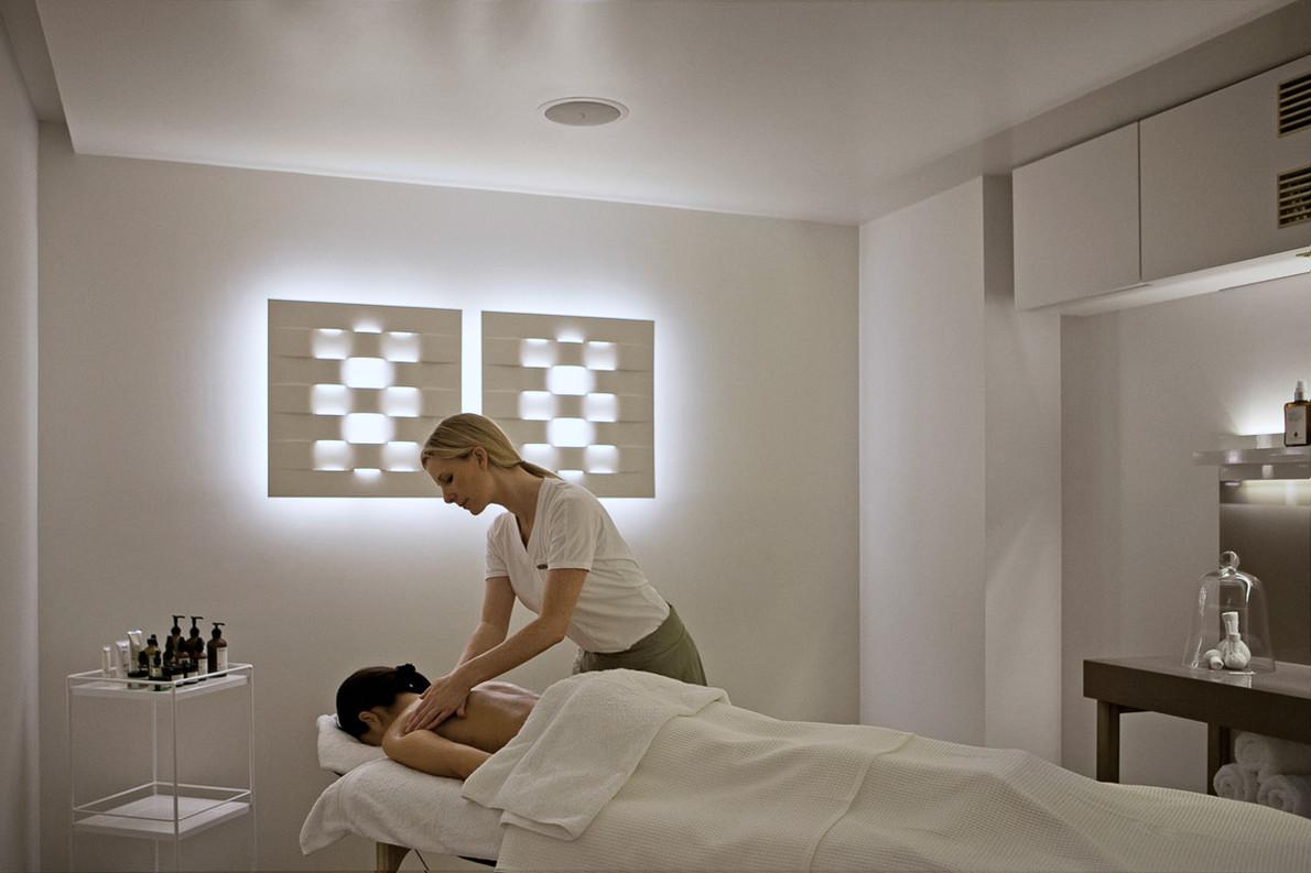 Back Massage 1.jpg