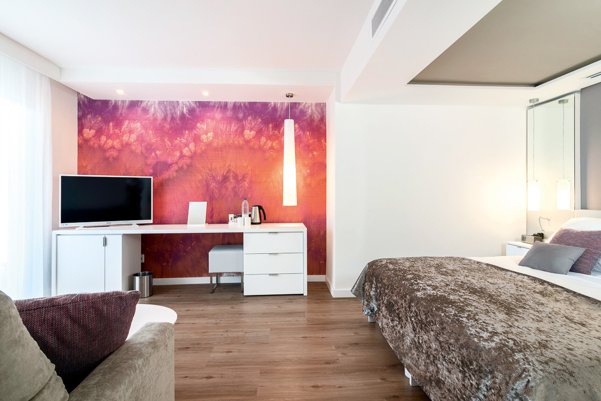 room adult3.jpg