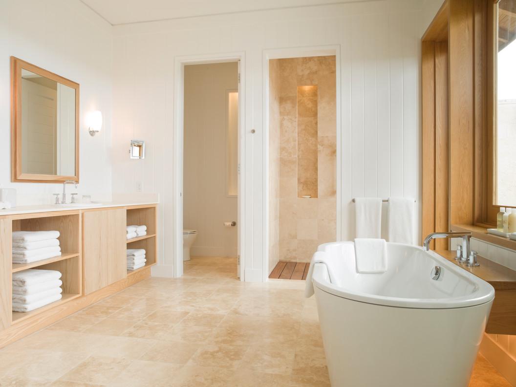 44082721-H1-Three_Bedroom_Villa_Bathroom