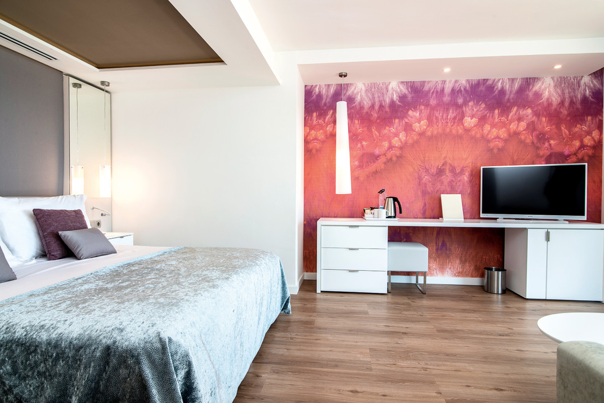room adult6.jpg