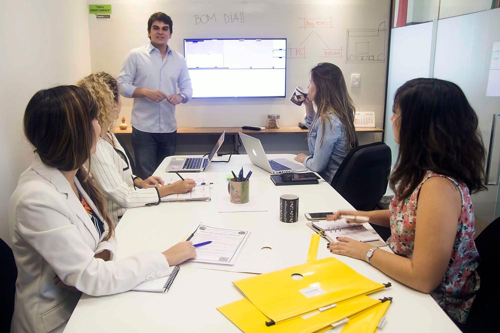 Sala de Reunião para 10 pessoas dentro do Workhall Coworking em Recife, Bairro dos Aflitos