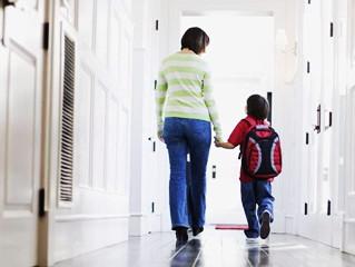 Volte às aulas: prepare as crianças para os novos horários e compromissos