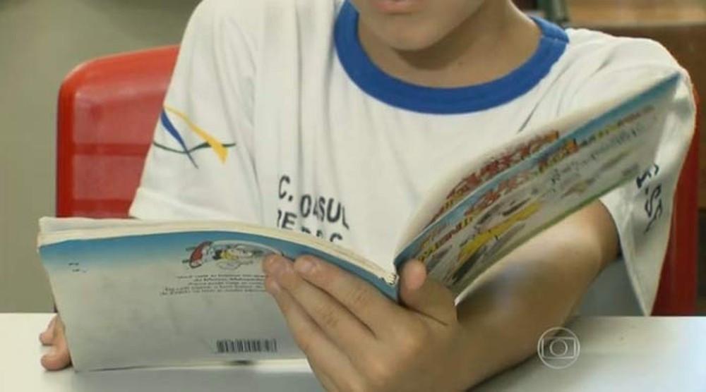 Na terceira versão da Base Nacional Comum Curricular, o MEC decidiu antecipar em um ano o fim do ciclo de alfabetização das crianças (Foto: Reprodução/TV Globo)