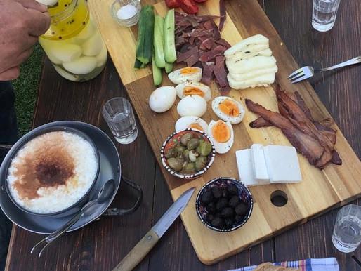 Μπούκωμα ή αλλιώς το κυπριακό πρωινό