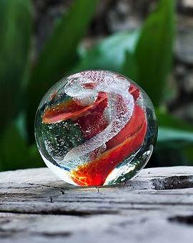 keepsakes globe_red_outdoor_web_480x480