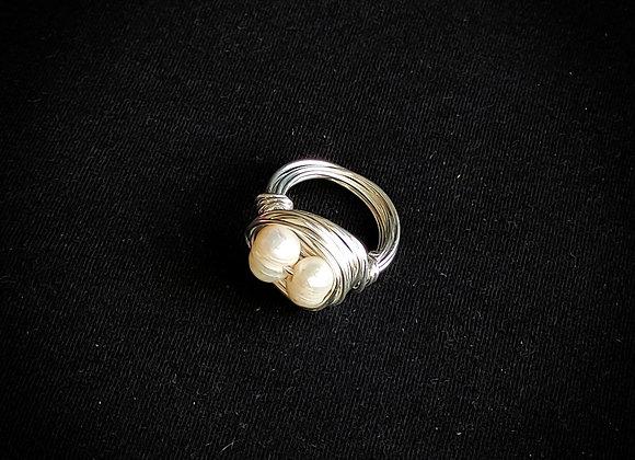 Anel amarração banho prata perola Biwa