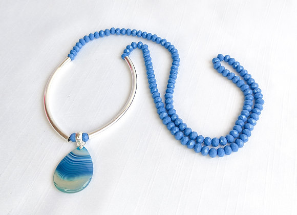 Colar cristal , tubos prata e  gota de agata azul mesclada