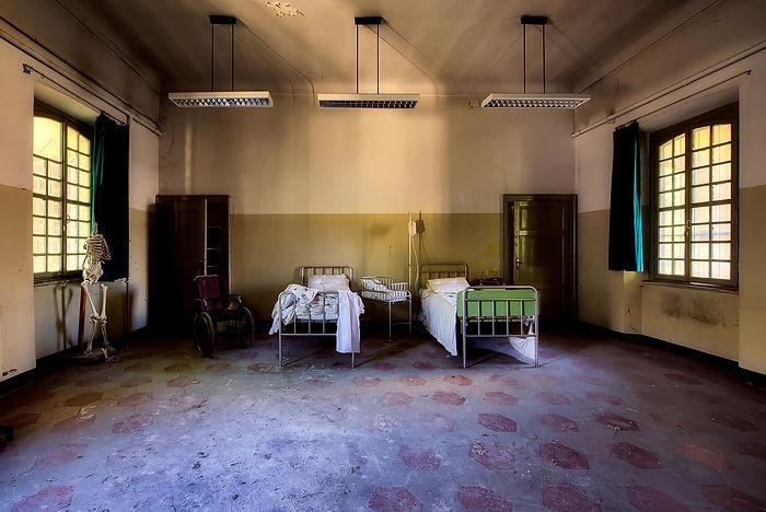 hospital-2301041_1920 (1).jpg