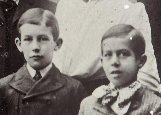 Norman McLeod Dingman and Donald Dunlop Dingman, c. 1900.