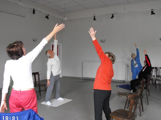 2010-yoga-04jpg