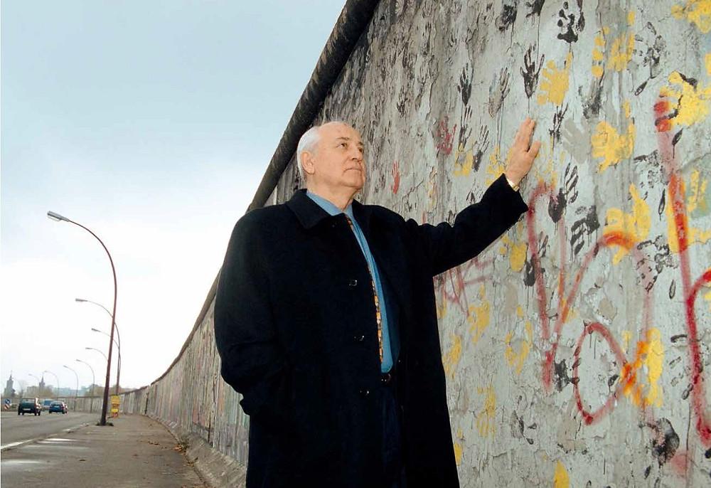 戈尔巴乔夫在柏林墙