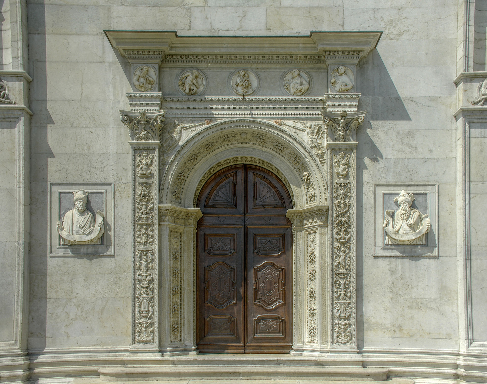 Lugano_San_Lorenzo_Portale