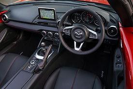 Mazda MX5 RF, Interior