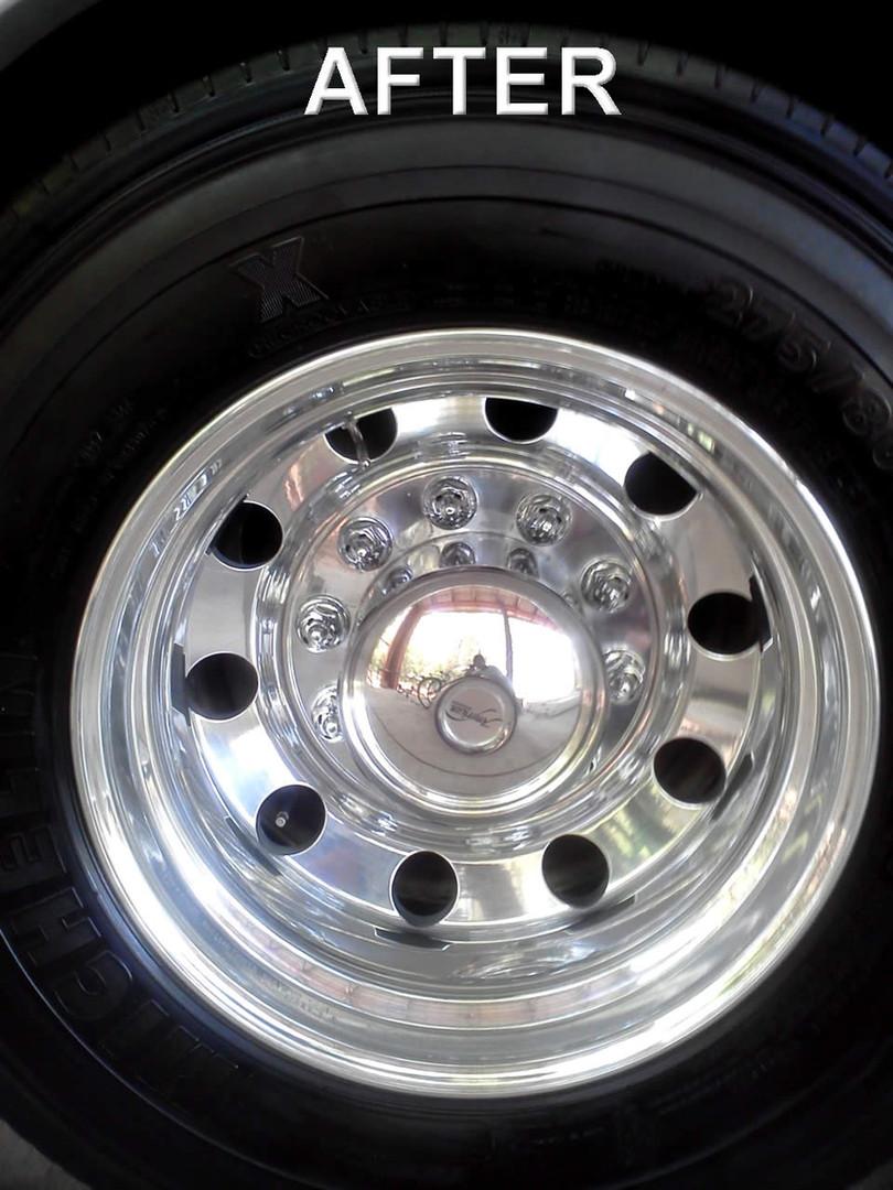 Chrome Wheel Polish-After.jpg