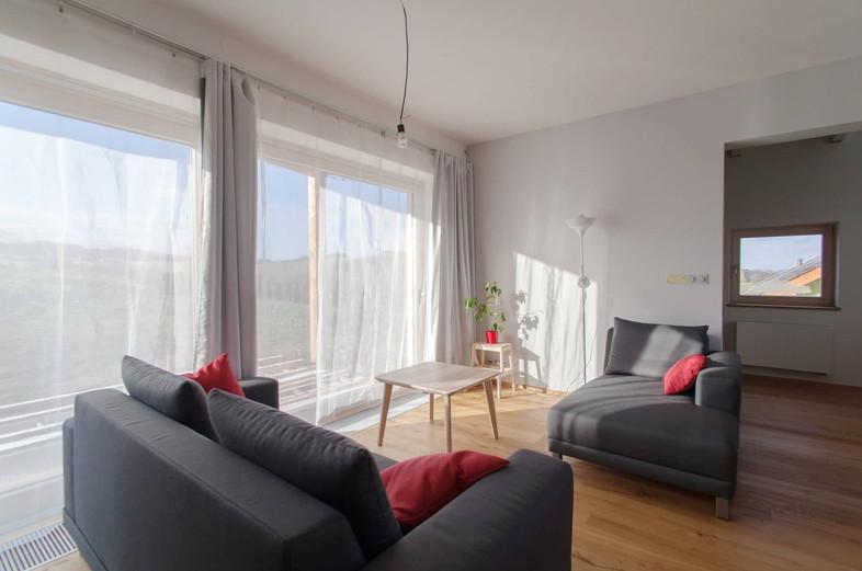 Obývací část umožňuje propojení s venkovním posezením