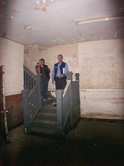 Front basement stairs prior to 2004