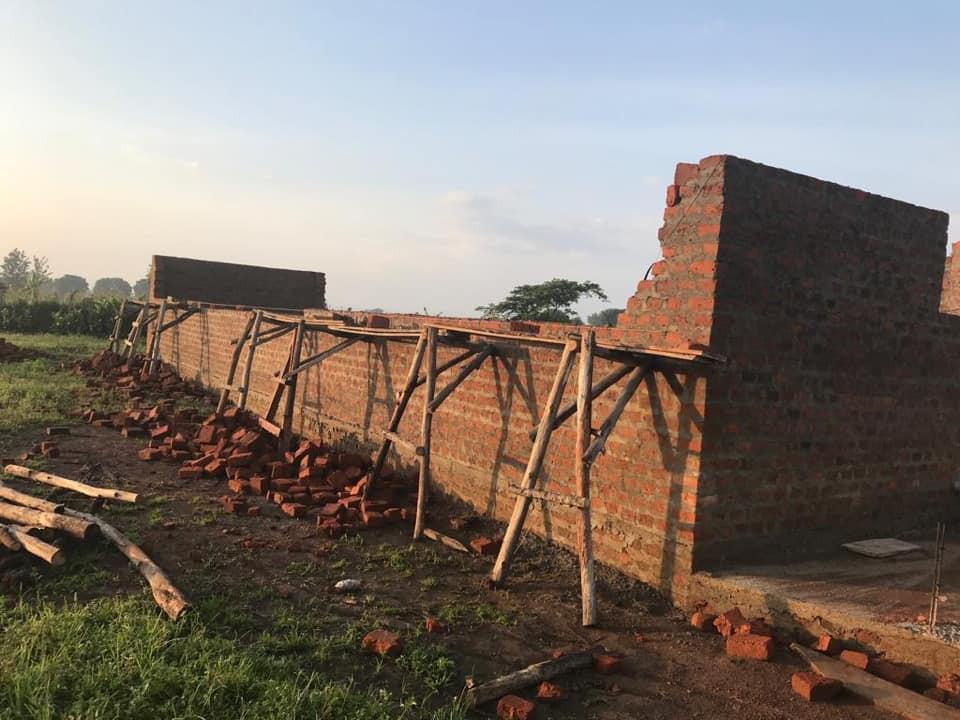 17704-Kalakami School first wing is goin