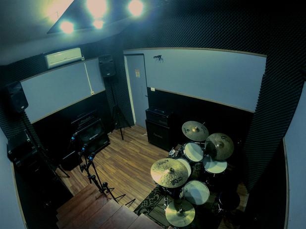 foto para o site estúdio vista de cima__edited.jpg
