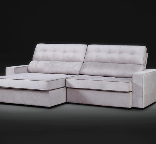 Sofá retrátil reclinável Bello com molas ensacadas 2,80m tecido veludo O sofá Belo possui assentos retráteis e encostos reclináveis com linhas retas, que trazem leveza para o seu designer. Com variadas possibilidades de modulações se encaixa perfeitamente até mesmo em ambientes de dimensões mais reduzidas, proporcionando muito conforto.  Valor: 4170,00