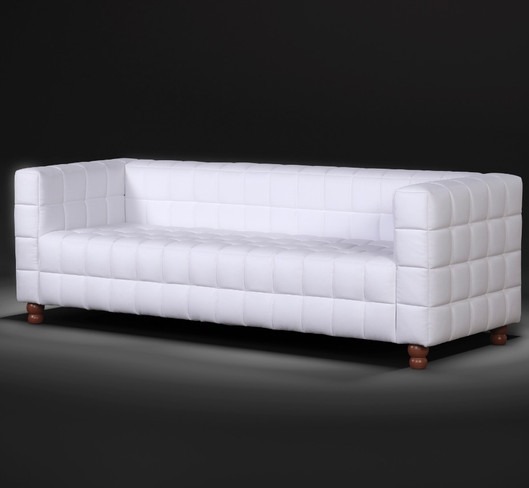 Sofá assento fixo Geo com percintas elásticas 2,30m tecido veludo Toda a delicadeza dos formatos geométricos, foram que inspiraram a criação do sofá e poltrona Geo, unificando beleza e conforto.  VALOR: 2440,00