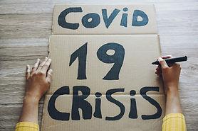 young-woman-preparing-banner-covid-19-ec