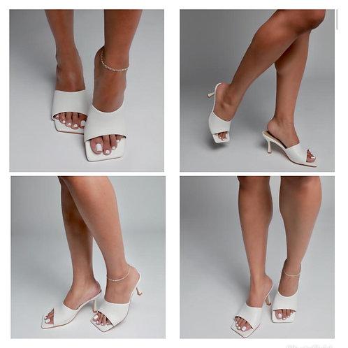 Pretty Feet Heels
