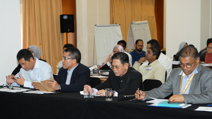 Industry Panels Assesing The Proposed Project