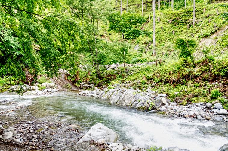 たなごころ下の川.jpg