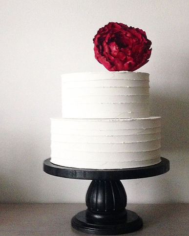 A Rustic 2 Tier Wedding Cake.jpg