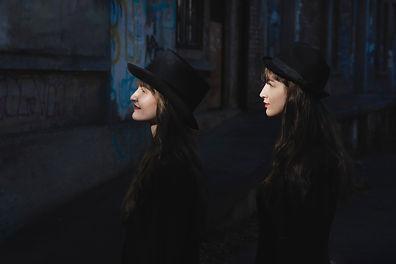 Sisters 52,2.jpg