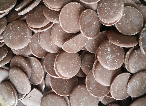 Milk chocolate buttons (organic couverture)
