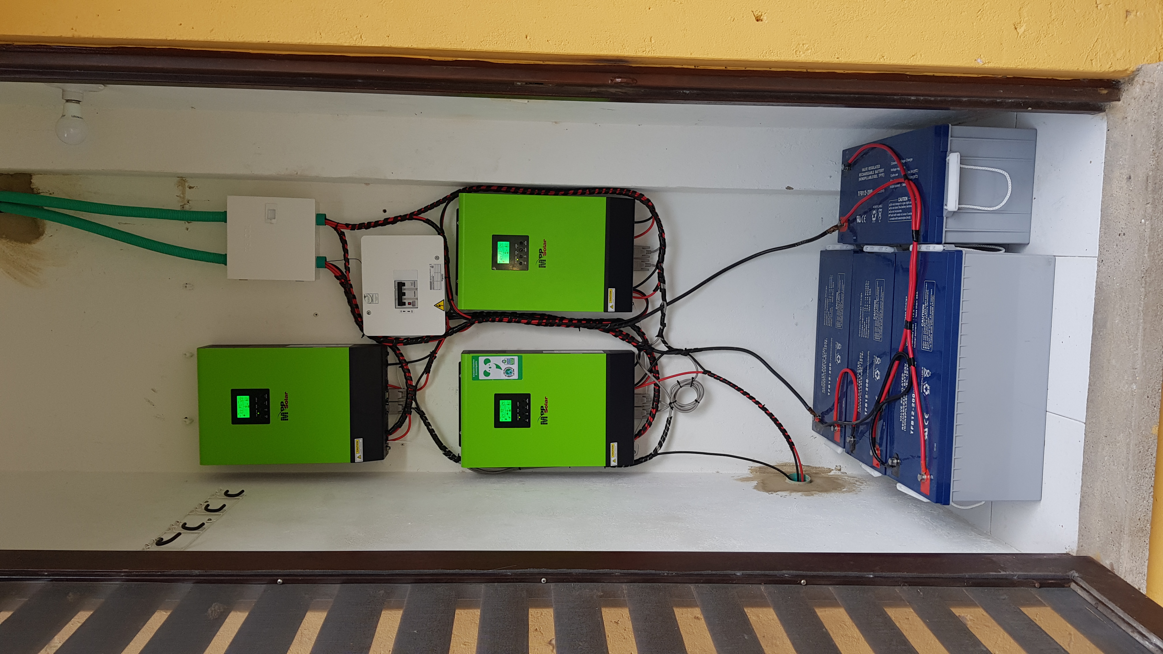 sistema híbrido on grid Trifásico