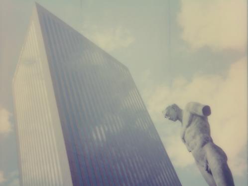 Grattes-ciel - et la statue