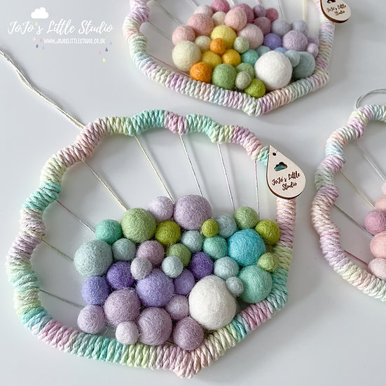 Clam Shell Wall Hanging - 18cm - Lilac Mint