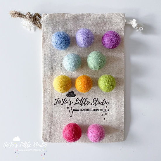 10 Pieces - Rainbow Felt Ball Set