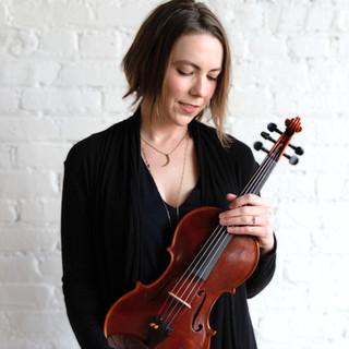 Bekah | Violin . Fiddle