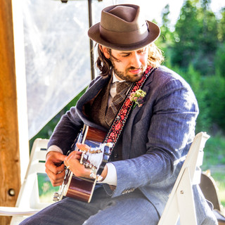 David Lawrence | Guitar . Vocals