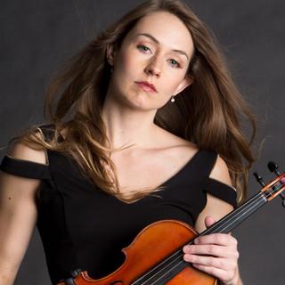 Anna Morris | Violinist . Wedding Specialist