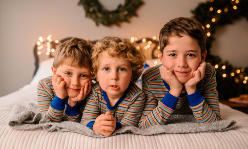 christmas pajama mini session at studio in Goochland
