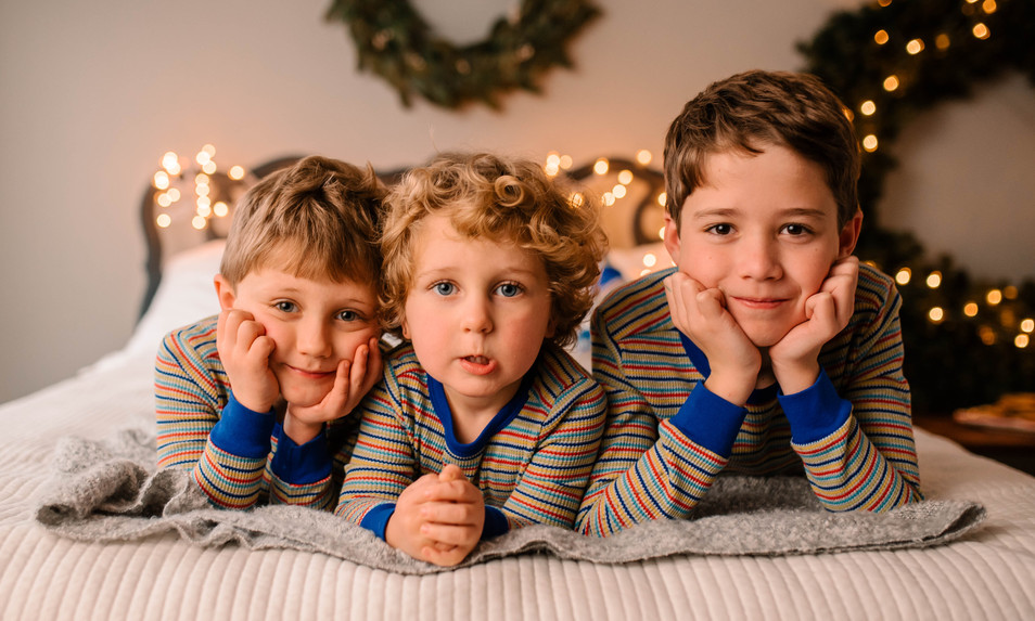 christmas pajama mini session at studio in Goochland