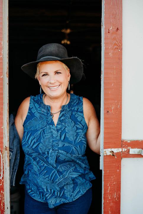 Lisa Dearden in Goochland, VA portrait